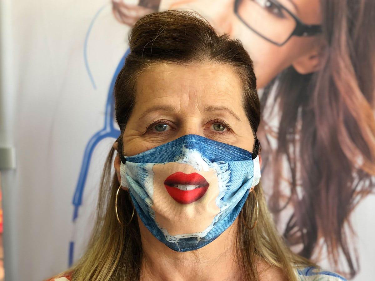 masque barrière femme imitation Jeans troué contre covid-19 coronavirus